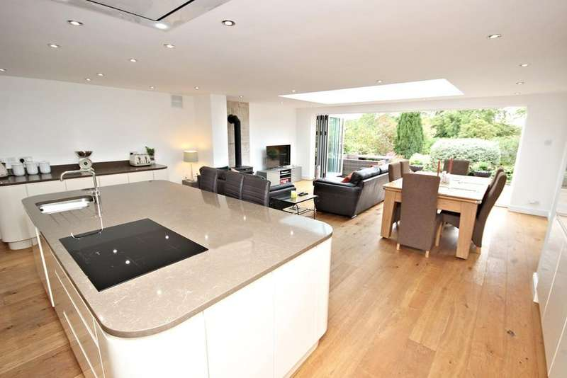 3 Bedrooms Detached Bungalow for sale in St Kenelms Road, Romsley, Halesowen, B62