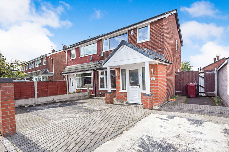 3 Bedrooms Semi Detached House for sale in Windsor Close, Blackburn, BB1