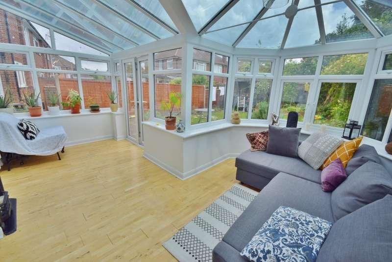 3 Bedrooms Semi Detached House for sale in Clarke Estate, Basingstoke, RG23