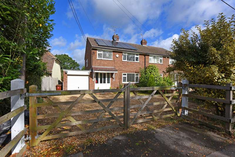 3 Bedrooms Semi Detached House for sale in Langley Common Road, Barkham