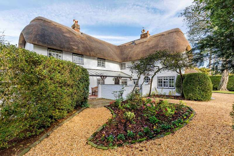 5 Bedrooms Cottage House for sale in Salisbury Road, Burton, Christchurch, BH23
