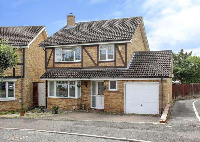 4 Bedrooms Detached House for sale in Fletcher Gardens, Binfield, Berkshire, RG42