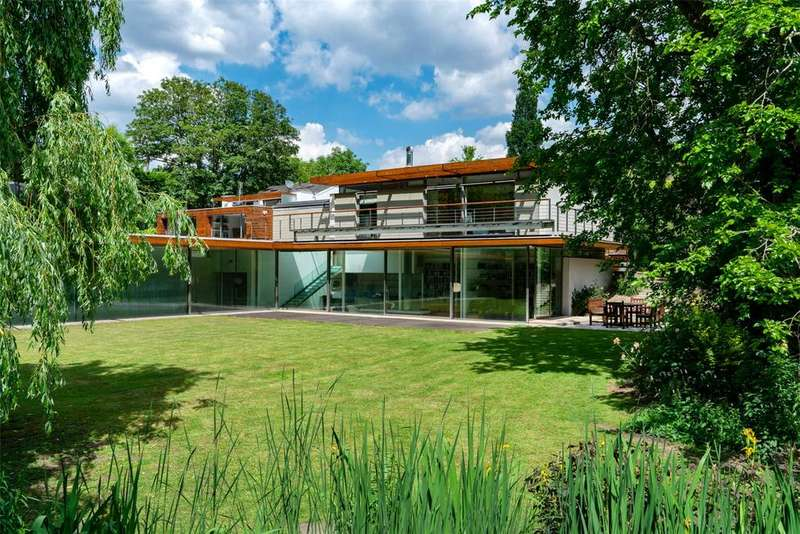 7 Bedrooms Detached House for sale in Fitzroy Park, Highgate, London, N6