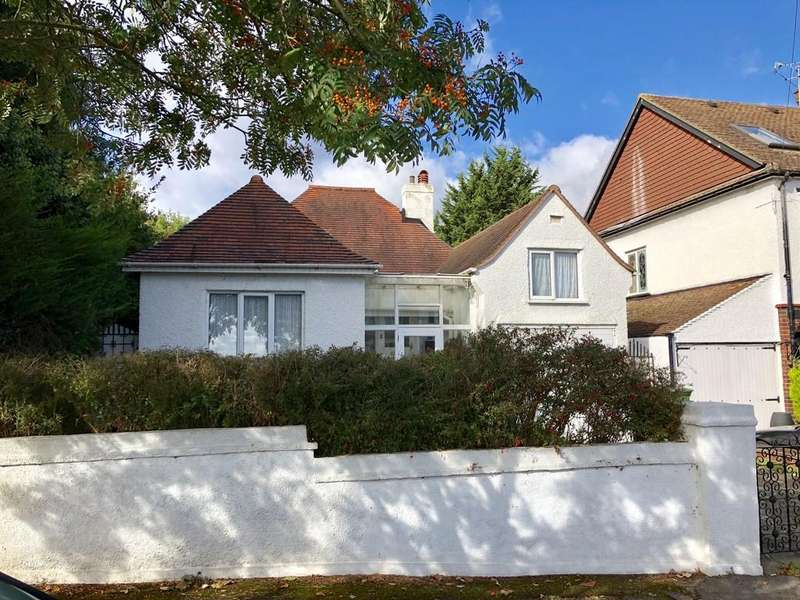 2 Bedrooms Detached Bungalow for sale in Anglesey Court Road, Carshalton