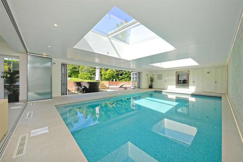 5 Bedrooms Detached House for sale in Malthouse Place, Newlands Avenue, Radlett