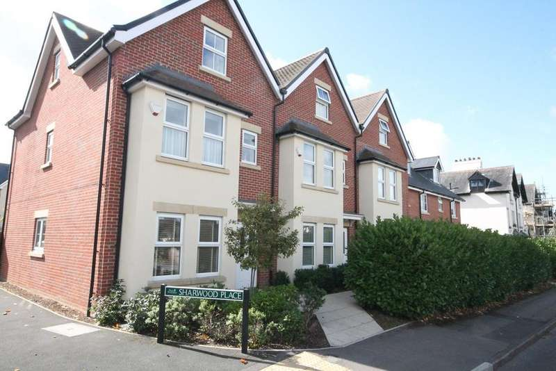 4 Bedrooms Town House for sale in Sharwood Place, Newbury, RG14
