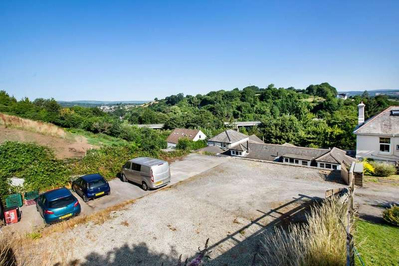 4 Bedrooms Detached House for sale in Buckfastleigh