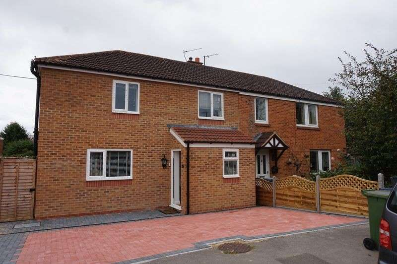3 Bedrooms Property for sale in Swallow Crescent, Gloucester