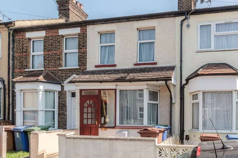 3 Bedrooms Terraced House for sale in Southview Road, Grays, Essex RM20 4AT