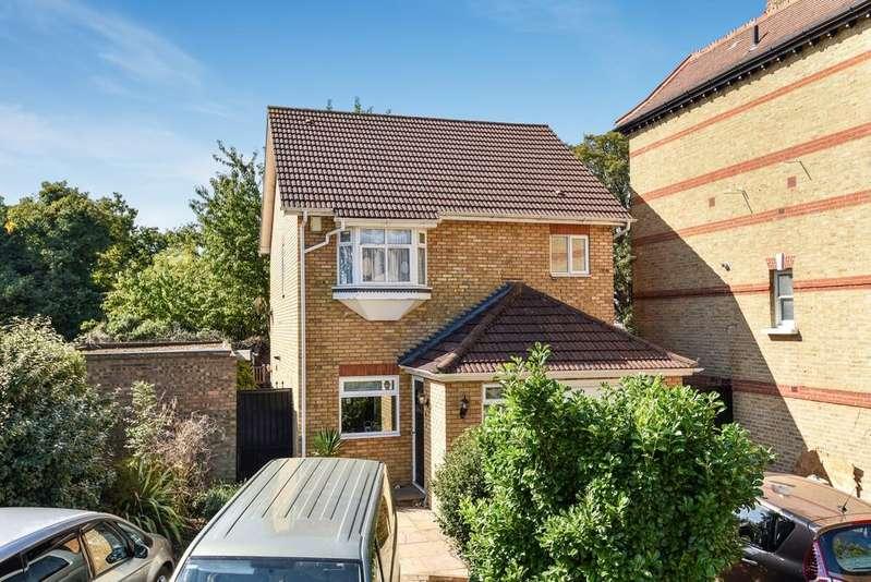 3 Bedrooms Detached House for sale in Ellery Road London SE19