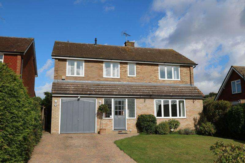 4 Bedrooms Detached House for sale in Highlea Avenue, Flackwell Heath