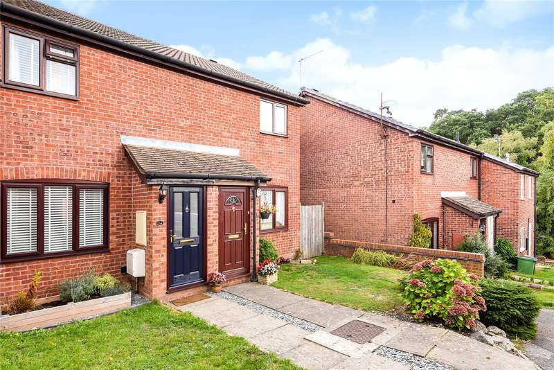 2 Bedrooms Terraced House for sale in Stable Close, Burghfield Common, Reading, Berkshire, RG7