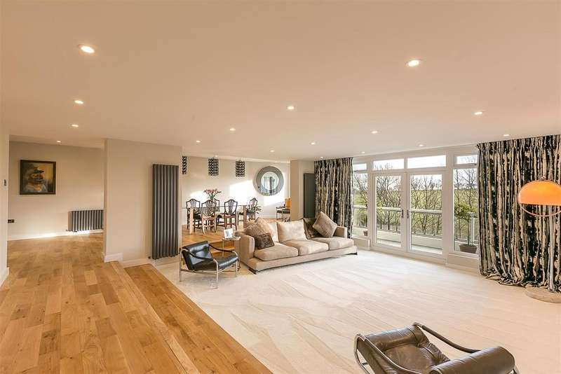 3 Bedrooms Flat for sale in Montagu Court, Gosforth, Newcastle upon Tyne