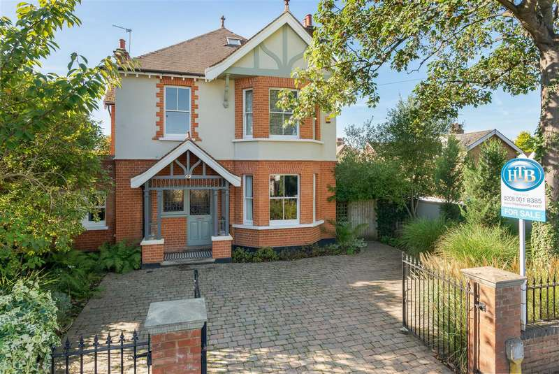 4 Bedrooms Detached House for sale in Vine Road, East Molesey