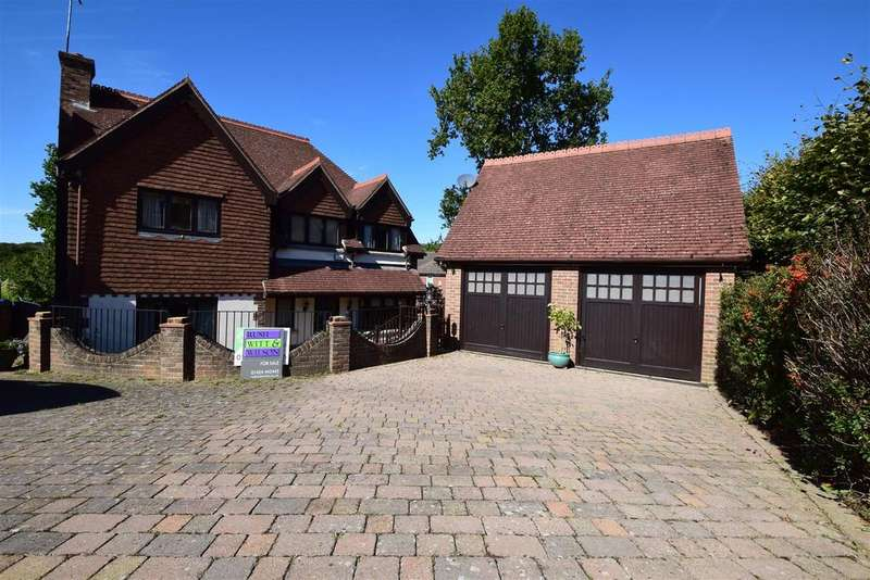 5 Bedrooms Detached House for sale in Vermont Way, St. Leonards-On-Sea