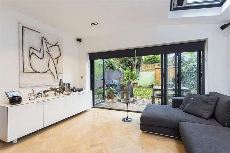 2 Bedrooms Apartment Flat for sale in Albion Road, Stoke Newington, N16