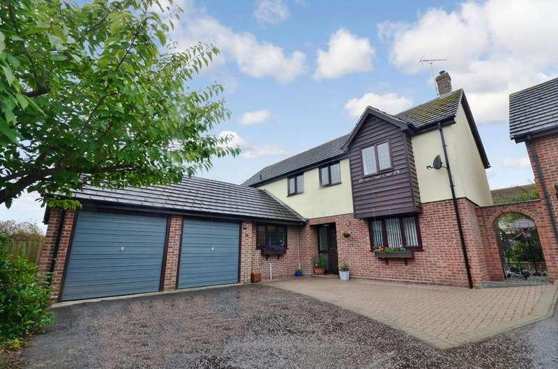 5 Bedrooms Detached House for sale in Bullfinch Close, Colchester, CO4 3FQ