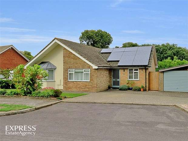 4 Bedrooms Detached Bungalow for sale in Greenlands Road, Kingsclere, Newbury, Hampshire