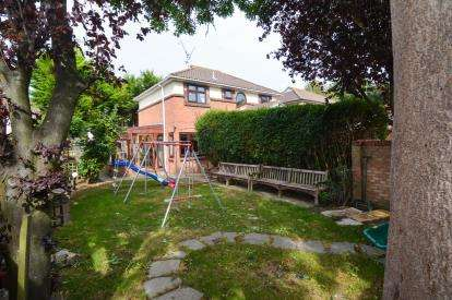 4 Bedrooms Detached House for sale in Basildon, Essex, United Kingdom