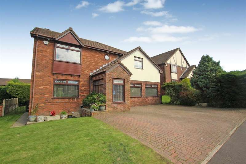 4 Bedrooms Detached House for sale in Knowlesly Road Darwen BB3 2JA
