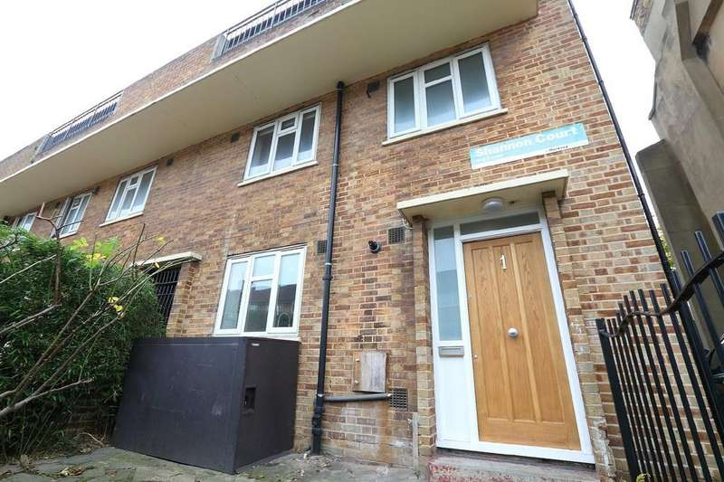 3 Bedrooms Apartment Flat for sale in Dynevor Road, London