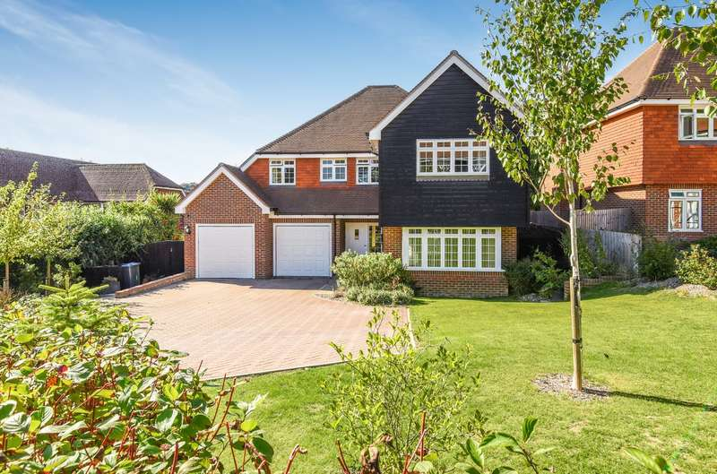 5 Bedrooms Detached House for sale in Paddock Place, Soldiers Field Lane, Findon, BN14