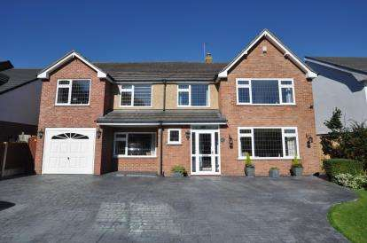 5 Bedrooms Detached House for sale in Neston Road, Thornton Hough, Wirral, Merseyside, CH63