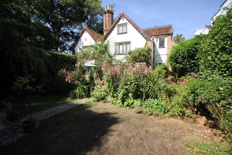 4 Bedrooms House for sale in PRIVATELY SITUATED 4 BED DETACHED GRADE II LISTED CHARACTER PROPERTY