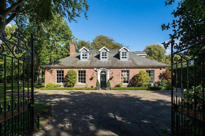 5 Bedrooms Detached House for sale in Legh Road, Knutsford