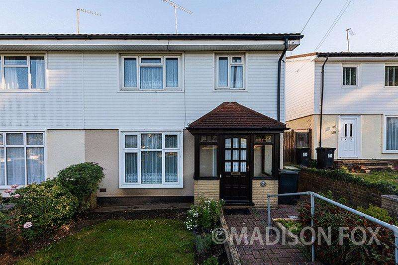 3 Bedrooms Semi Detached House for sale in Newmans Lane, Loughton, IG10