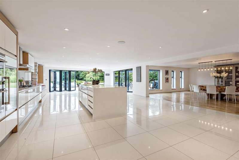 5 Bedrooms Detached House for sale in Sutton Lane, Sutton, Witney