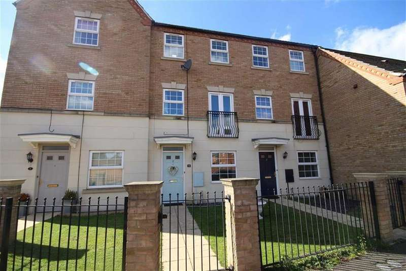4 Bedrooms Town House for sale in Robins Crescent, Witham St Hughs, Lincoln, Lincolnshire