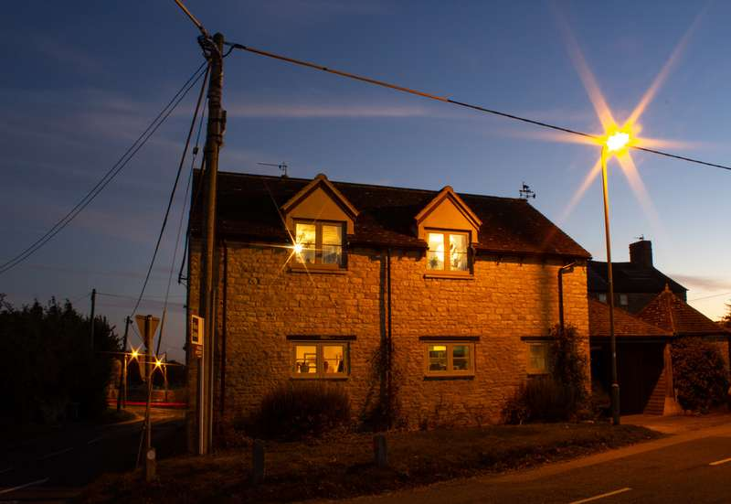 4 Bedrooms Property for sale in Brize Norton, Oxfordshire OX18