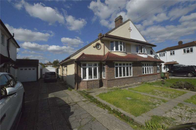 3 Bedrooms Semi Detached House for sale in Braundton Avenue Sidcup Kent
