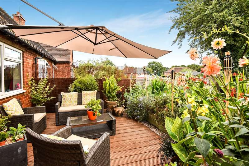 3 Bedrooms Semi Detached House for sale in Lyndhurst Avenue, Cookham, Maidenhead, Berkshire, SL6