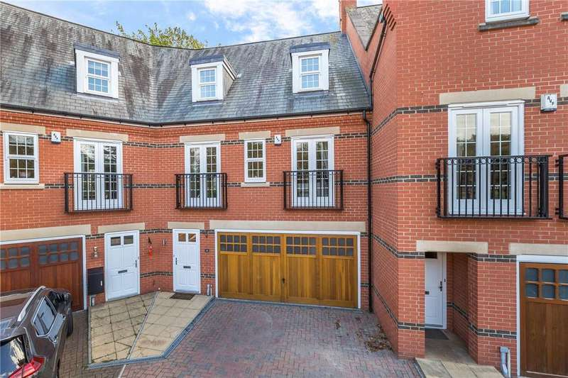 5 Bedrooms Terraced House for sale in Boyes Crescent, Napsbury Park, St. Albans, Hertfordshire