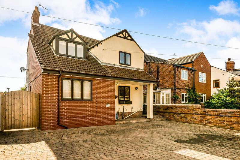 4 Bedrooms Detached House for sale in Oaksfield, Methley, Leeds, LS26