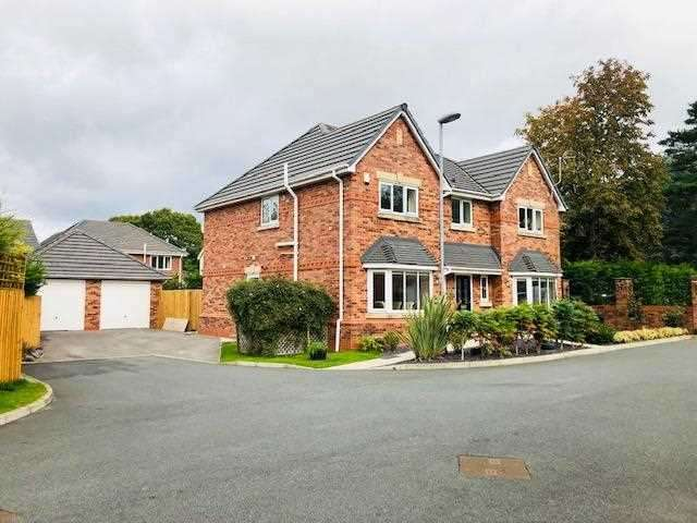 7 Bedrooms Detached House for sale in Kendal Gardens, Clayton Le Woods, Leyland