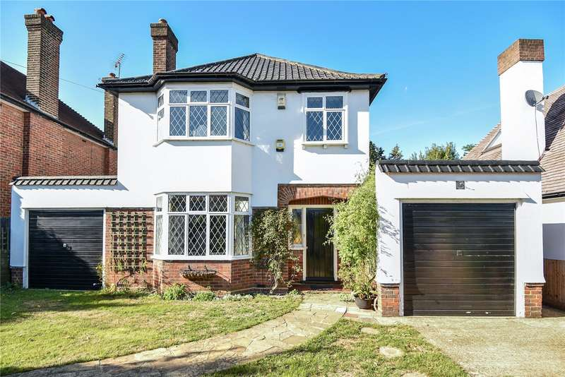 3 Bedrooms Detached House for sale in Belmont Road, Uxbridge, Middlesex, UB8