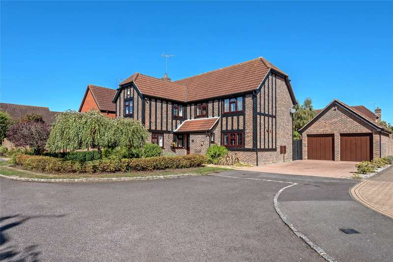 5 Bedrooms Detached House for sale in Cox Green, College Town, Sandhurst, Berkshire, GU47