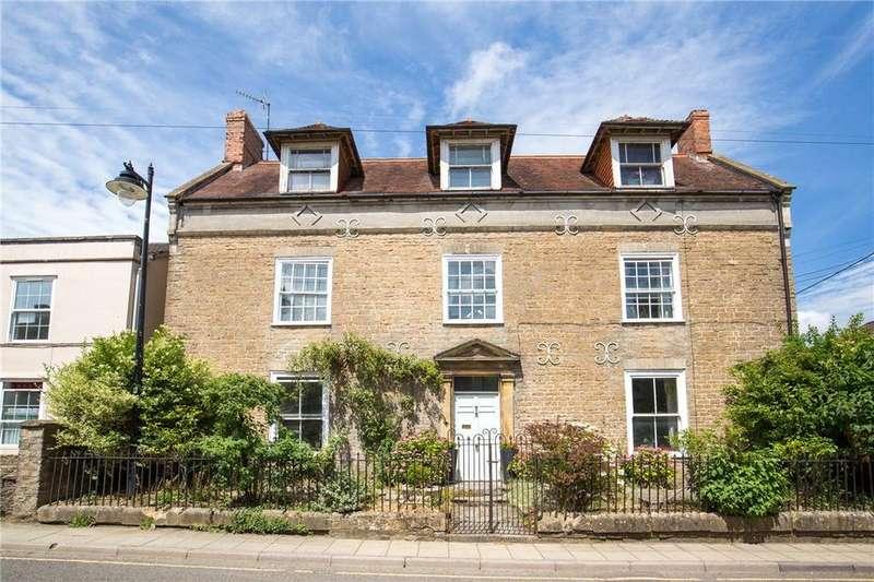 4 Bedrooms Detached House for sale in Quaperlake Street, Bruton, Somerset, BA10