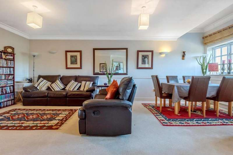 2 Bedrooms Flat for sale in Elizabeth Fry Place, Shooters Hill