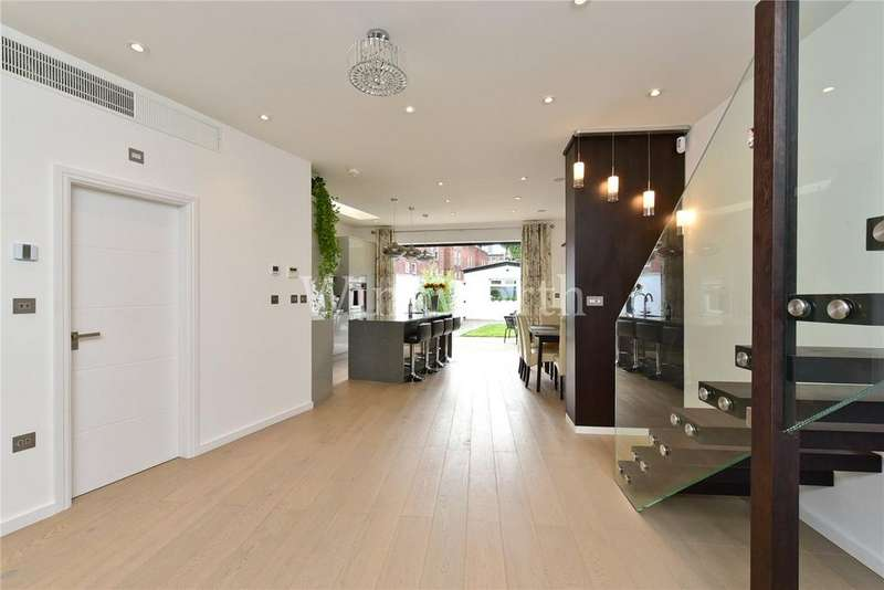 4 Bedrooms End Of Terrace House for sale in Caversham Road, London, N15