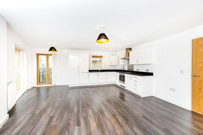 2 Bedrooms Apartment Flat for sale in Clock View Crescent, Islington, London, N7
