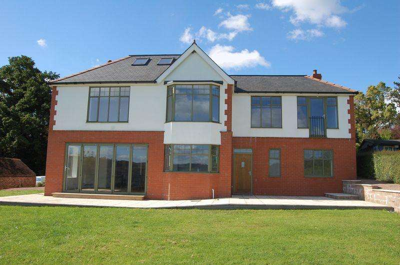 5 Bedrooms Detached House for sale in Monmouth Town
