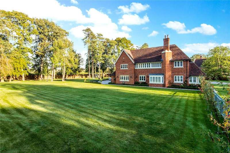 4 Bedrooms Detached House for sale in Node Park, Hitchin Road, Hitchin, Hertfordshire, SG4