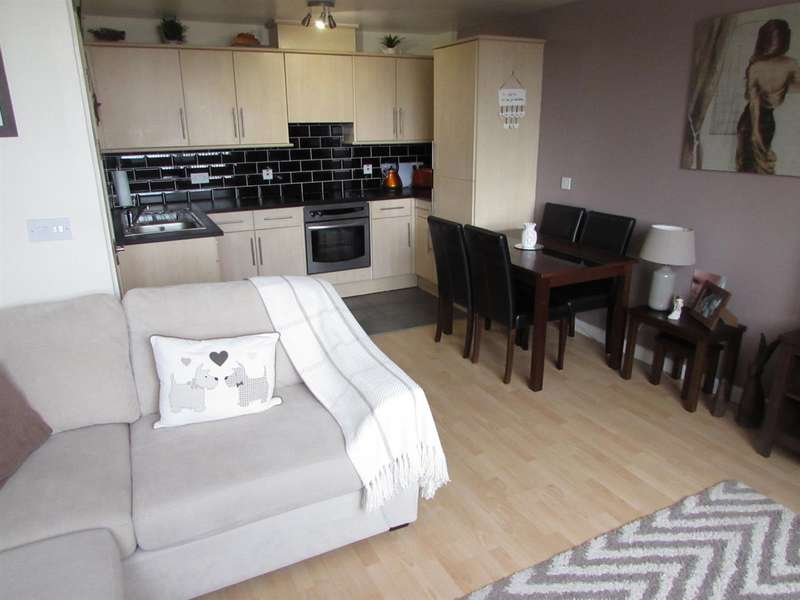 1 Bedroom Flat for sale in Priory Heights, Church Street, Dunstable