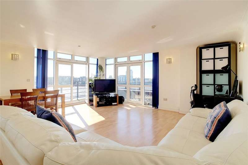 2 Bedrooms Flat for sale in Langbourne Place, London, E14