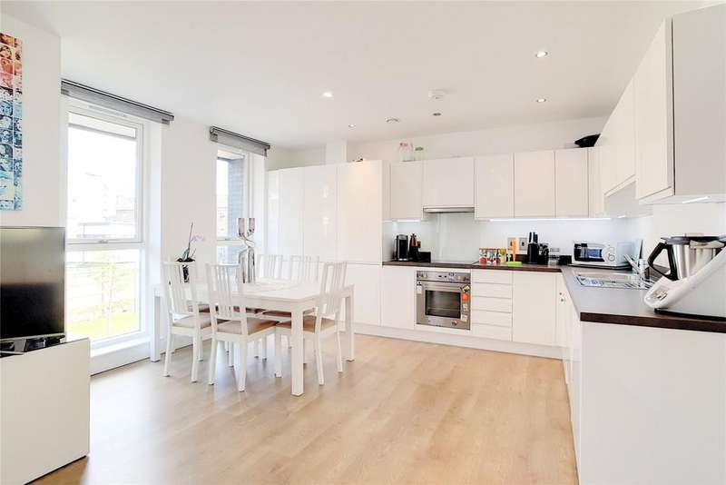 3 Bedrooms Flat for sale in Coalmakers Wharf, London, E14