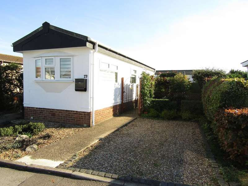 2 Bedrooms Park Home Mobile Home for sale in Three Star Park, Lower Stondon SG16